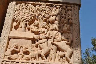 3.+Stupa+1+Northern+Toran.+Monkey+giving+Buddha+Honey