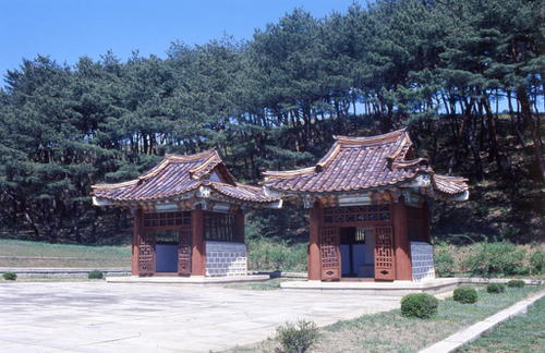 Historic Monuments and Sites in Kaesong