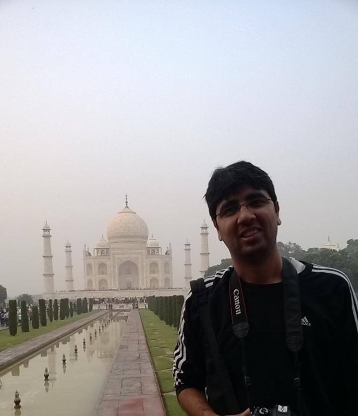 Nishant at Taj Mahal