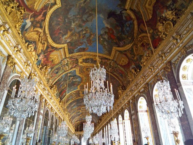 France-Versailles-Hall-of-Mirrors-ceiling