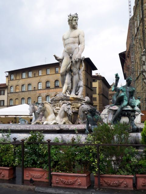 Italy-Florence-Fountain-of-Neptune