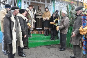 Men's group Colindat, Christmas-time ritual