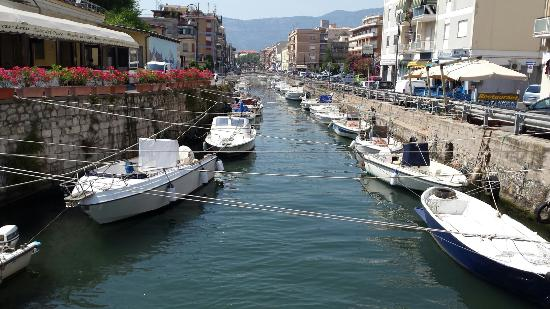 Image 1: the canal harbor of Terracina, photo by Latina Corriere