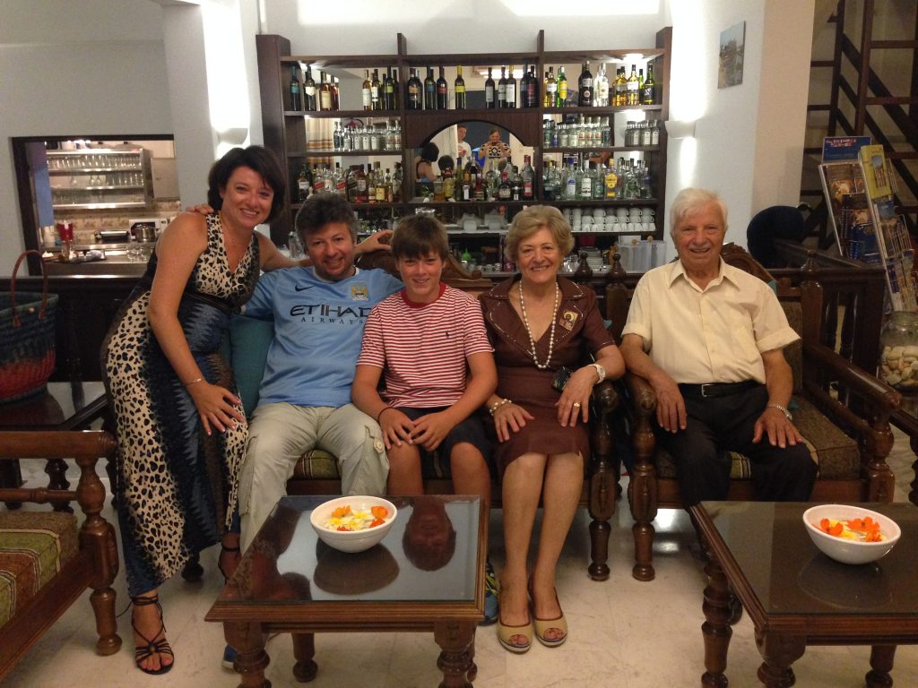 Stamatis' family: Kaliopi, Stamatis, Iannis (Kiliopi's son), Kula and Manolis