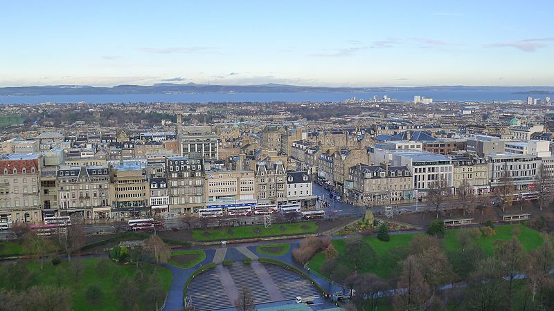 View of the edinburgh New Town from the Castle, copyright by Alving Leong