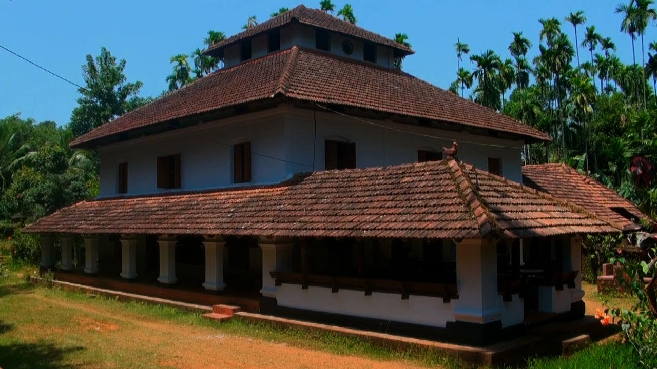 Climatic Impact Vernacular Architecture Kerala on Houses With Red Roofs