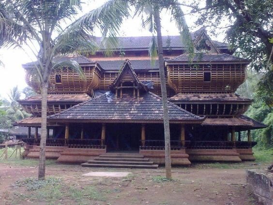Traditional Kerala architecture theme house Photo source: https://www.pinterest.com/pin/402157441696599321/