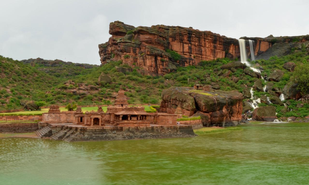 Lake side temples at Badami - Bhutanatha Temple
