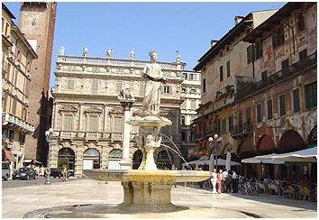 Piazza Del Erbe