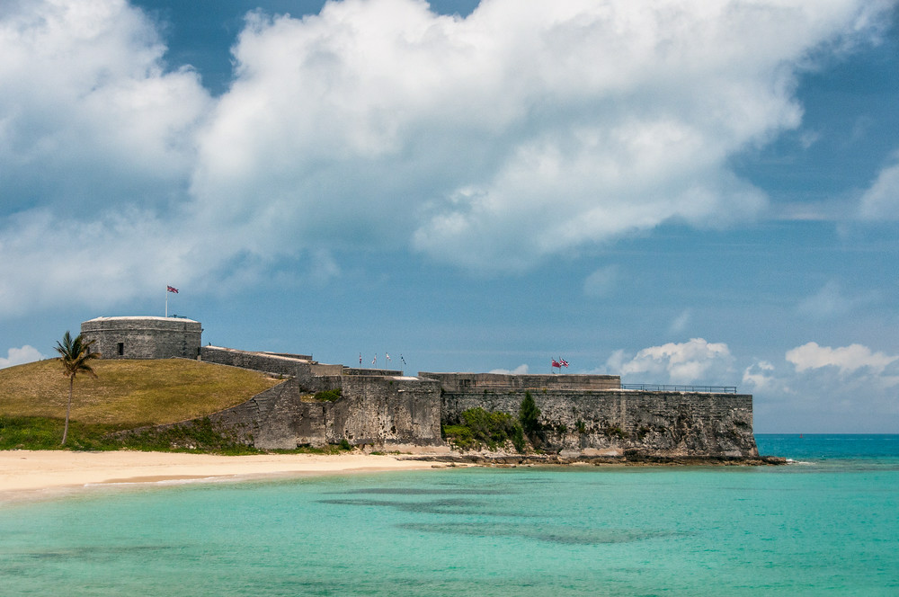 http://everything-everywhere.com/2014/05/30/unesco-world-heritage-site-274-historic-town-st-george-related-fortifications-bermuda/