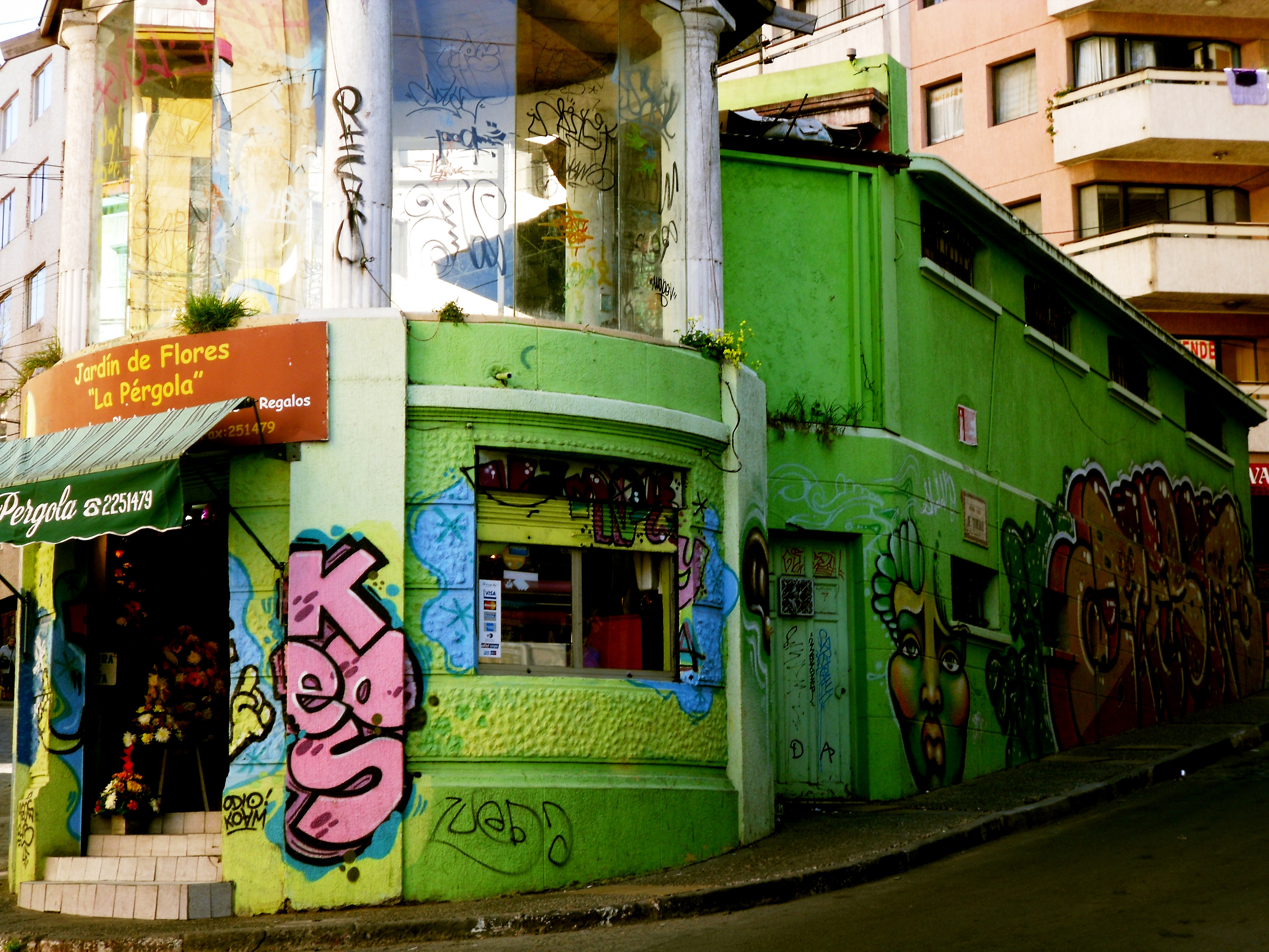 Valparaíso batiment retouche