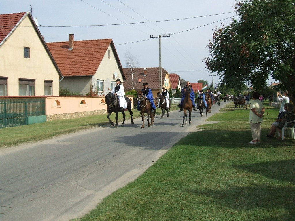 Horse-herds at the beggining of the march