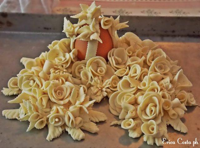 """Su Coccoi cun s'Ou"", example of artistic Sardinian bread (photo credits Erica Costa ph)"