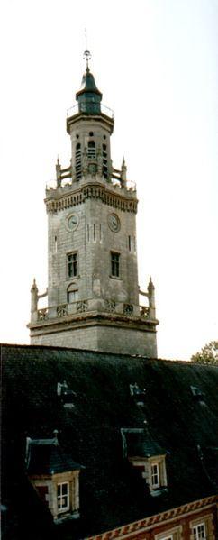 http://commons.wikimedia.org/wiki/File:Beffroi_d%27_Hesdin.jpg