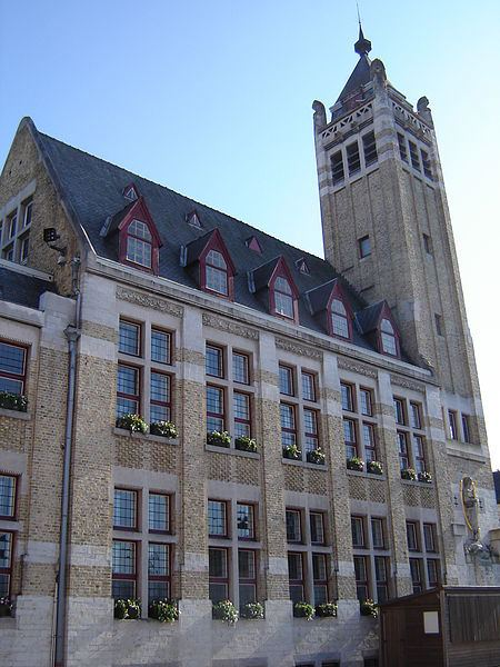 http://commons.wikimedia.org/wiki/File:Roeselare_-_City_Hall_-_Belfry_1.jpg