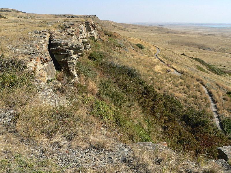 Cliffs where buffaloes were directed (Credits: Ken Thomas photography, KenThomas.us)
