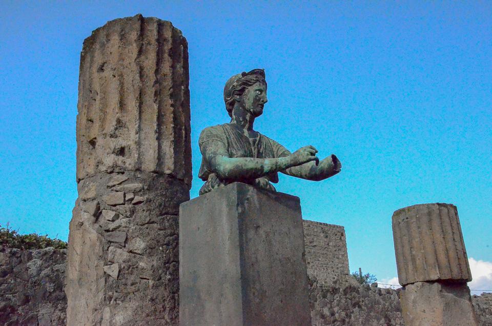 http://travelpast50.com/pompeii-and-other-ruins-of-note/
