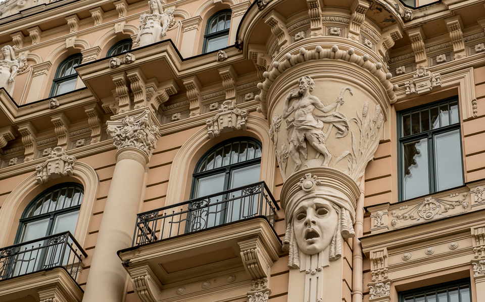 http://travelpast50.com/art-nouveau-facades-riga-latvia/