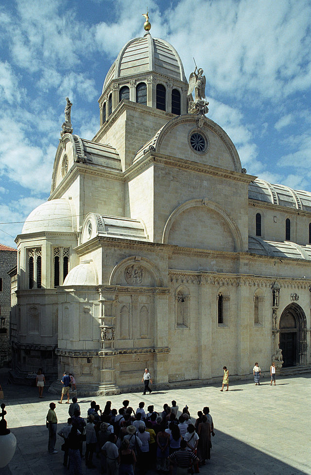 The Cathedral of Saint James in Sibenik is a Gothic-Renaissance construction built entirely from stone. It was built in three phases, by three architects, between 1431 and 1535. Country : Croatia Construction period : 1431-1535 Architects :  Francesco di Giacomo, Georgius Mathei Dalmaticus and Niccolò di Giovanni Fiorentino  Inscription : 2000                    The form and the decorative elements of the Cathedral, such as a remarkable frieze decorated with 71 sculptured faces of men, women, and children, also illustrate the successful fusion of Gothic and Renaissance art. Ø  It is the only cathedral in the whole of Europe constructed entirely of stone. No wooden architectural elements were used for its building. Ø  It is also the first construction in the whole of Europe, the assemblage of which was based on a unique system of inter grooved stone plates Ø  The cathedral suffered damage during both World War II and the fighting in 1991 Sources : http://en.wikipedia.org/wiki/ibenik_Cathedral   http://whc.unesco.org/en/list/963