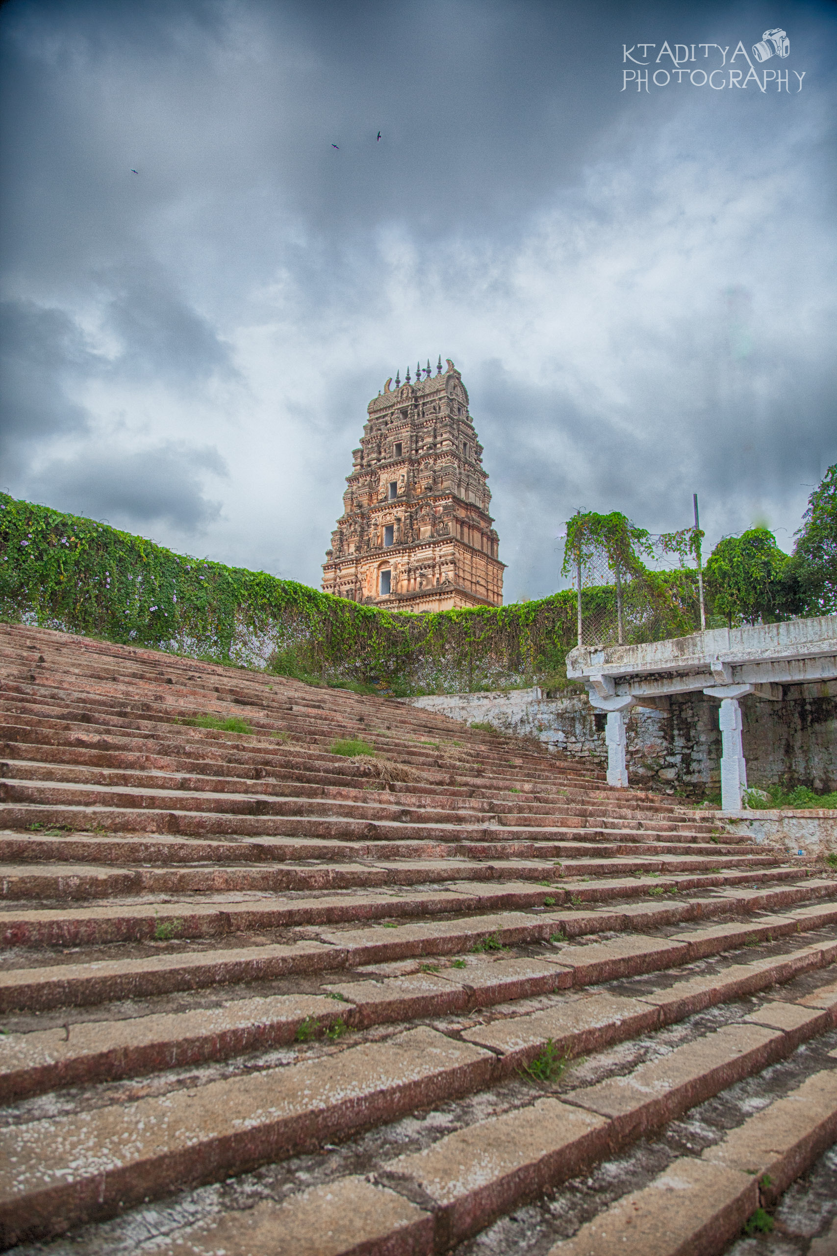 The temple is believed to be more than 1600 years old built during the Mighty Choola Dynasty by King Deyunge. The idols in the temples are believed to be from the Ancient time of Treta Yug( The age of Sri Raama) when Lord Raama was looking for Sita who was Kidnapped by Demon Raavana. The idols do not have Lord Hanuman as it is believed this was even before Raama had met him.