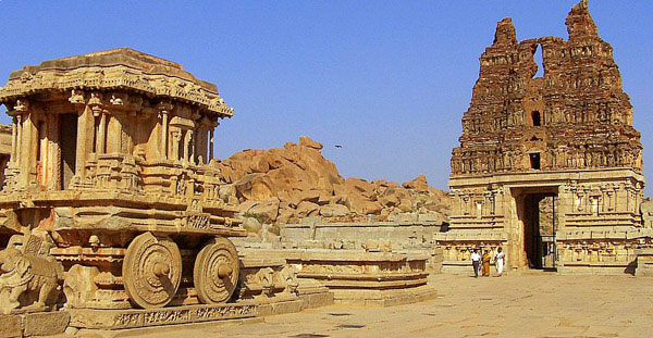 temple-vehicle-and-entrance-tower-in-vitthala-tempel-hampi-87