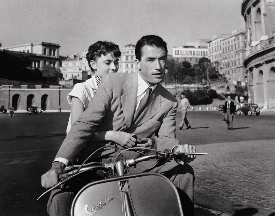 v-a-the-glamour-of-italian-fashion.sw.5.italian-style-vintage-va-ss01