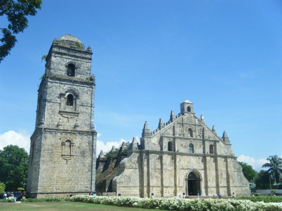 We were told that Paoay Church was a must-see in Ilocos, and indeed it was! When we came here, they had just finished renovating the walls outside the church. They were still fixing the ceilings (I think), but it was still a sight to behold.