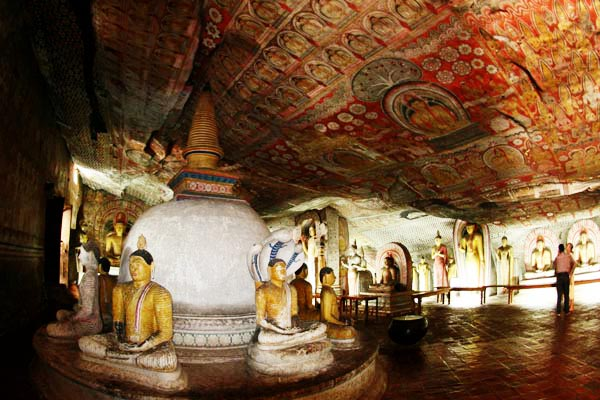 dambulla-cave-temple-sri-lanka-002_2