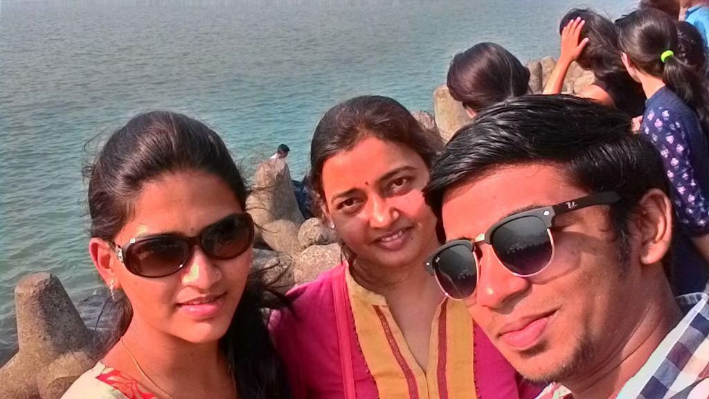 #Mumbai #MarineDrive #Gounescoselfie