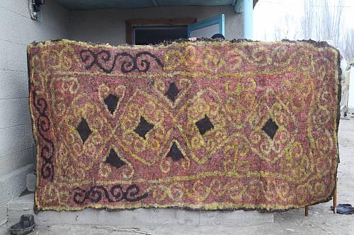 Ala-kiyiz and Shyrdak carpets of Kyrgyzstan
