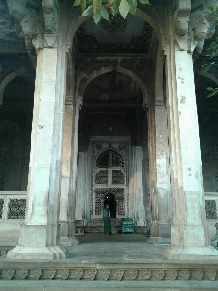 Entrance of Ghaus's mausoleum.