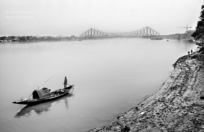 Oh_Calcutta_Howrah_photo_by_Jordi_Boixareu