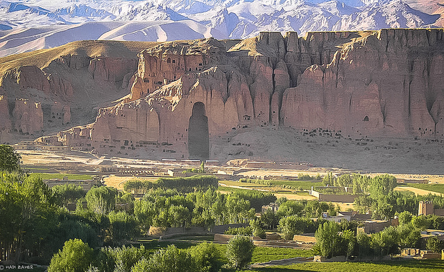 Bamiyan_Buddha_after_Hadi_Zaher