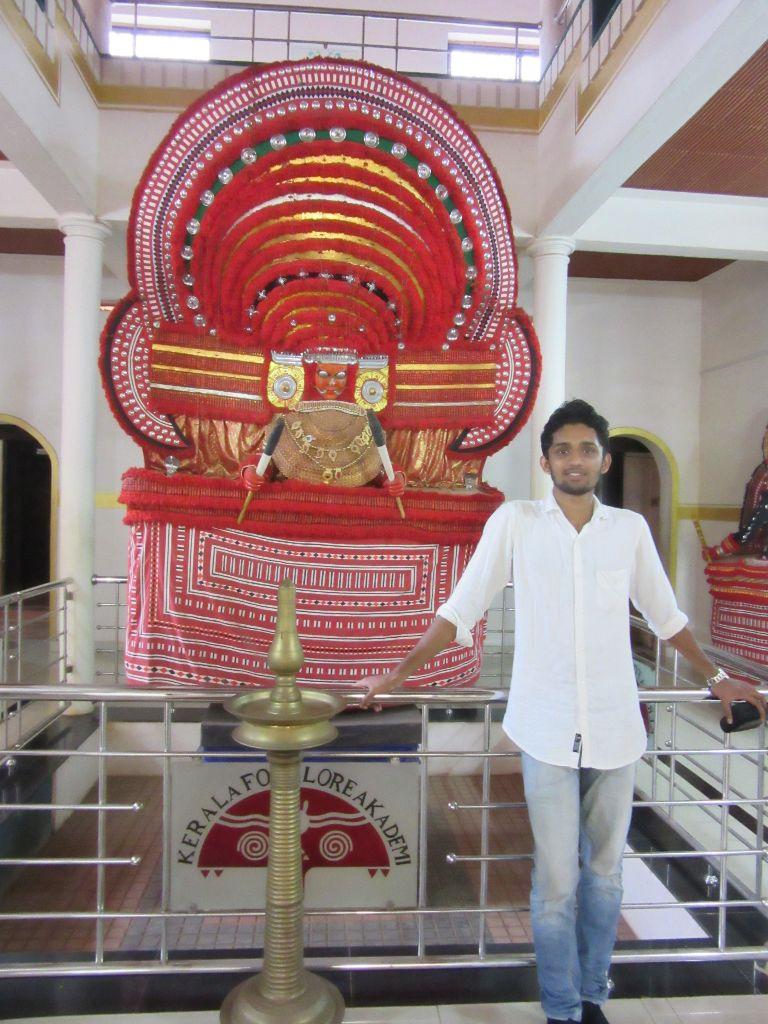 MUCHILOTTU BHAGAVATHY THEYYAM- goddess of Vaniya community