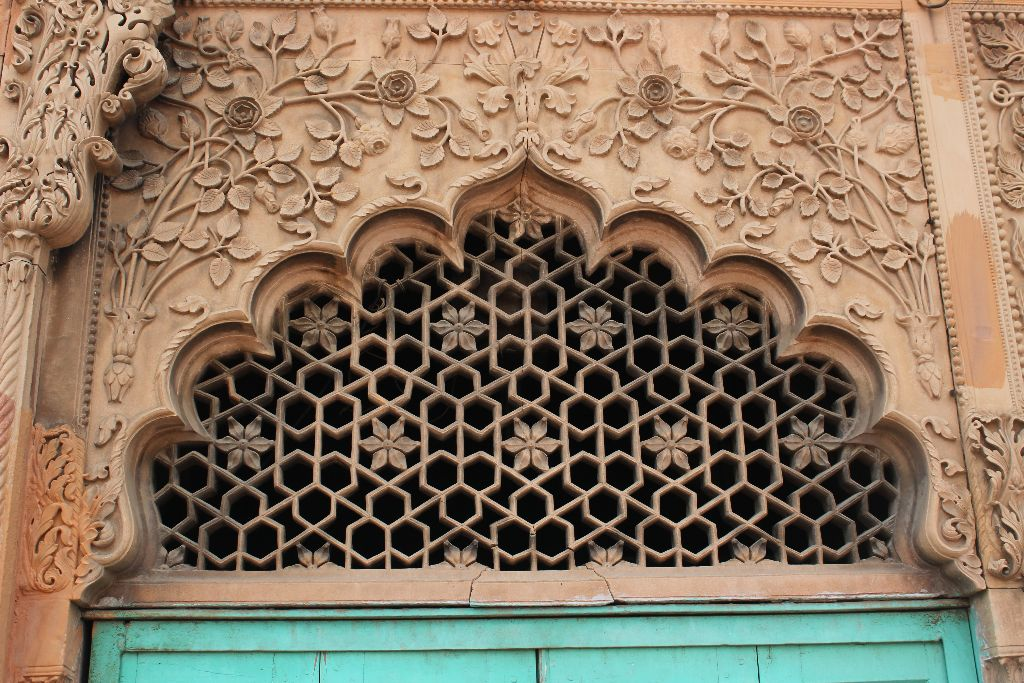 Masjid Rukn-Ud-Daula Location JAALI DETAILS OF THE MOSQUE
