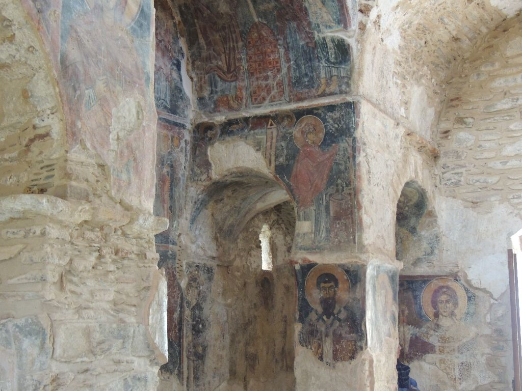 Detail of frescoes, south west angle chamber photo by Kristalia Melessanaki