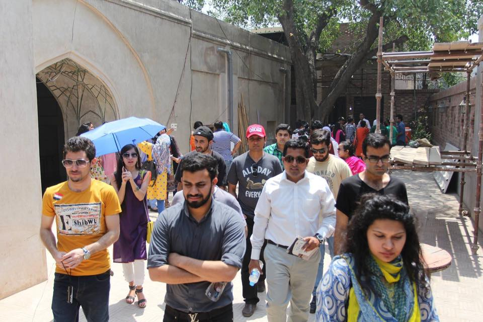 HERITAGE TOUR - A Walk Through Old Lahore)
