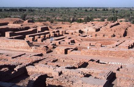 Rakhigarhi-mound-india