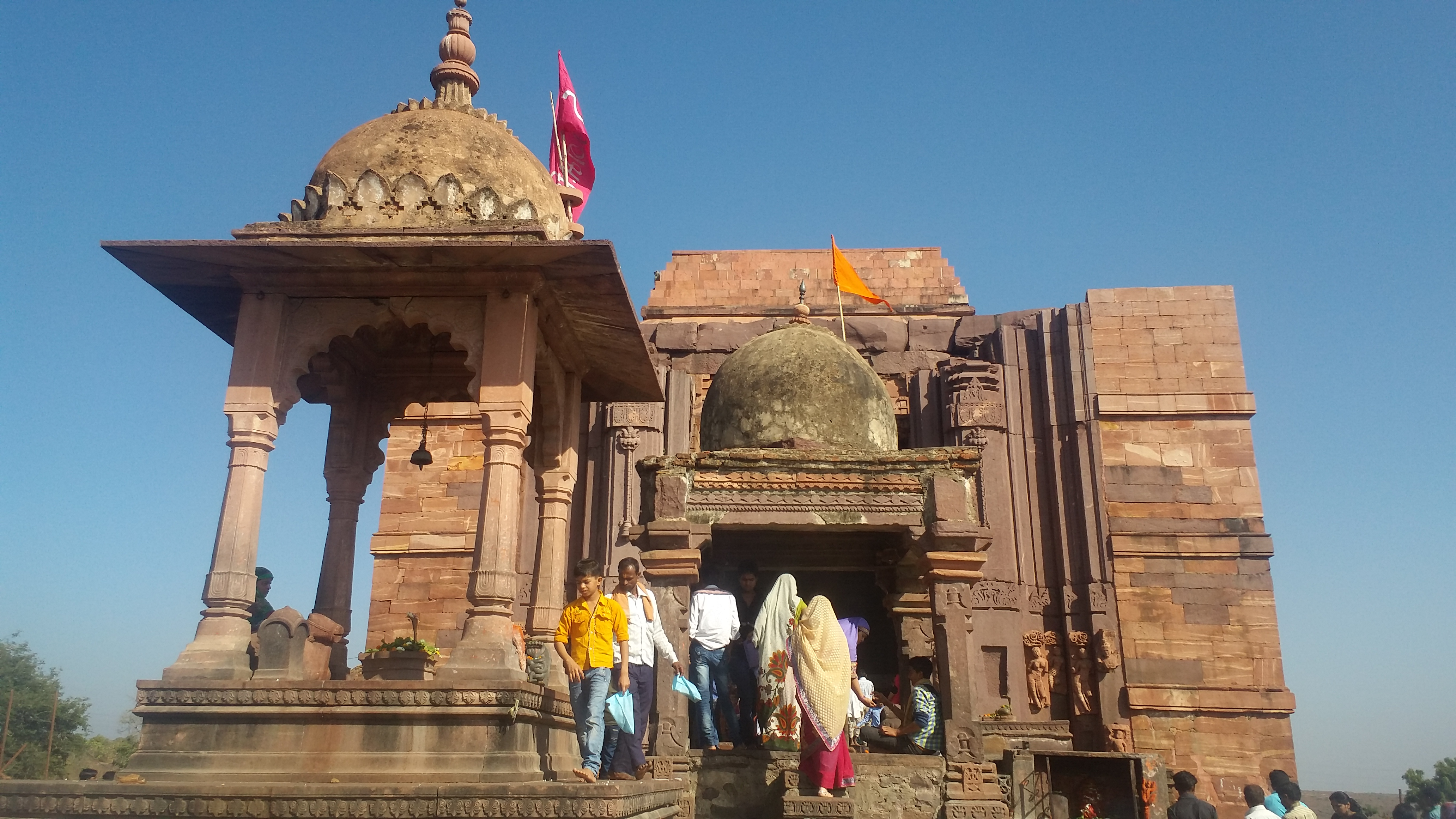 Sub-temples in front