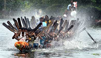 Nehru Trophy Snake Boat Race in Alleppey, Kerala (2)
