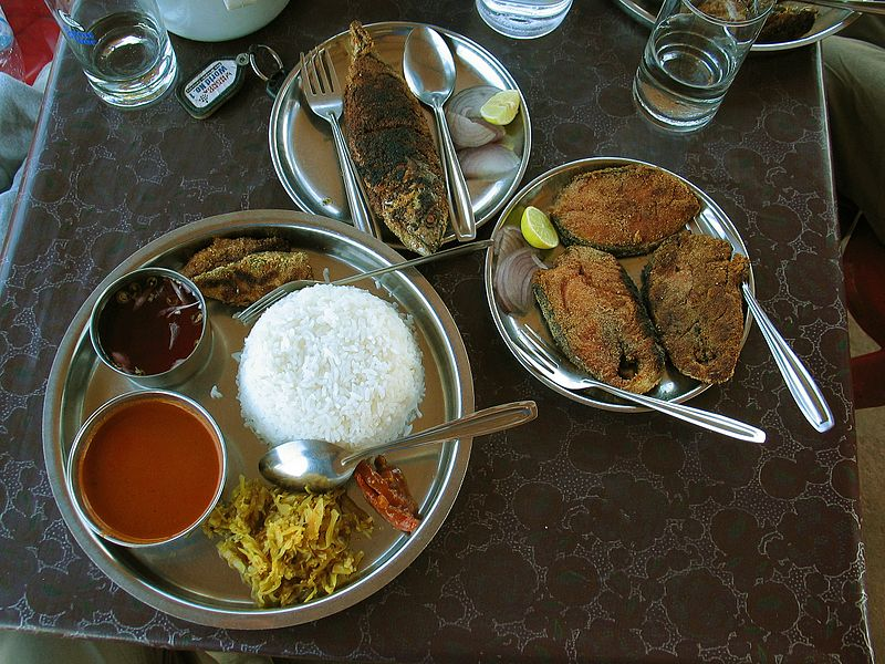 https://commons.wikimedia.org/wiki/File:Goan-fish-and-curry-rice-fishland-polem.jpg