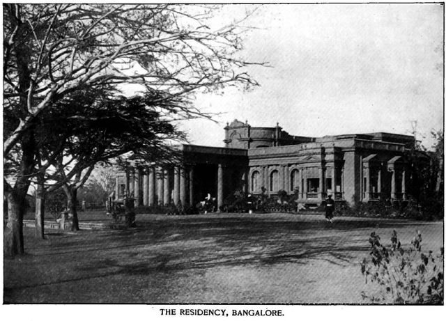 Bangalore Residency (now governor's office) around 1895 Antiquity, the vast Empire of the East. Historical Publishing Company. Philadelphia., Public Domain, https://commons.wikimedia.org/w/index.php?curid=27776472