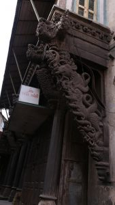 ahmedabad-the-typical-chinese-dragon-the-house-showcases-indo-chinese-architecture-on-one-of-the-pols