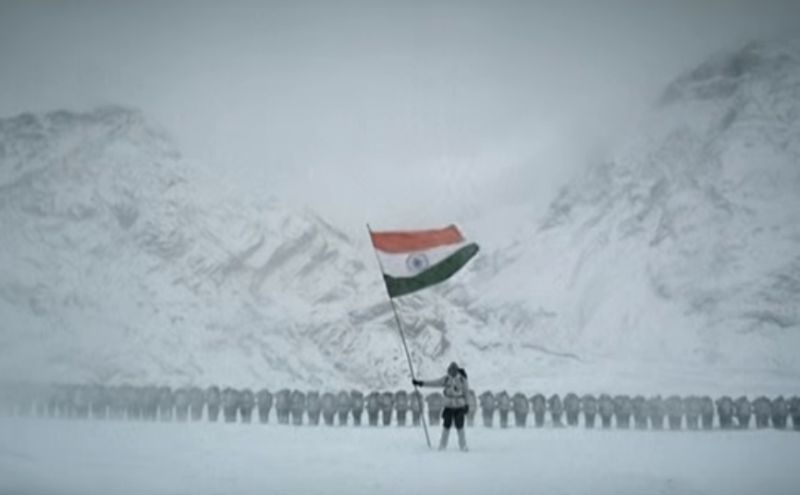Indian Army soldiers unfurl the tricolor at Siachen. Photo credit: Screengrab