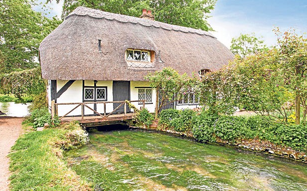 Image Courtesy: The Telegraph, http://www.telegraph.co.uk/finance/property/buying-selling-moving/10181960/Cottage-industry-is-still-booming.html