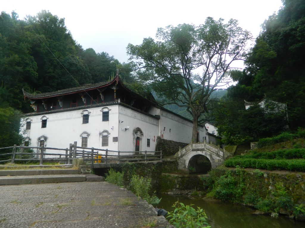 Dongzhu Temple, photo by GiuliaFalovo