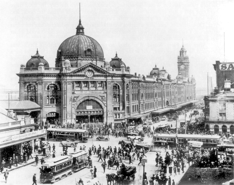 Flinders Street Station, located at the intersection of Flinders Street and Swanston Streets, 1927. Photo credit: Wikimedia Commons