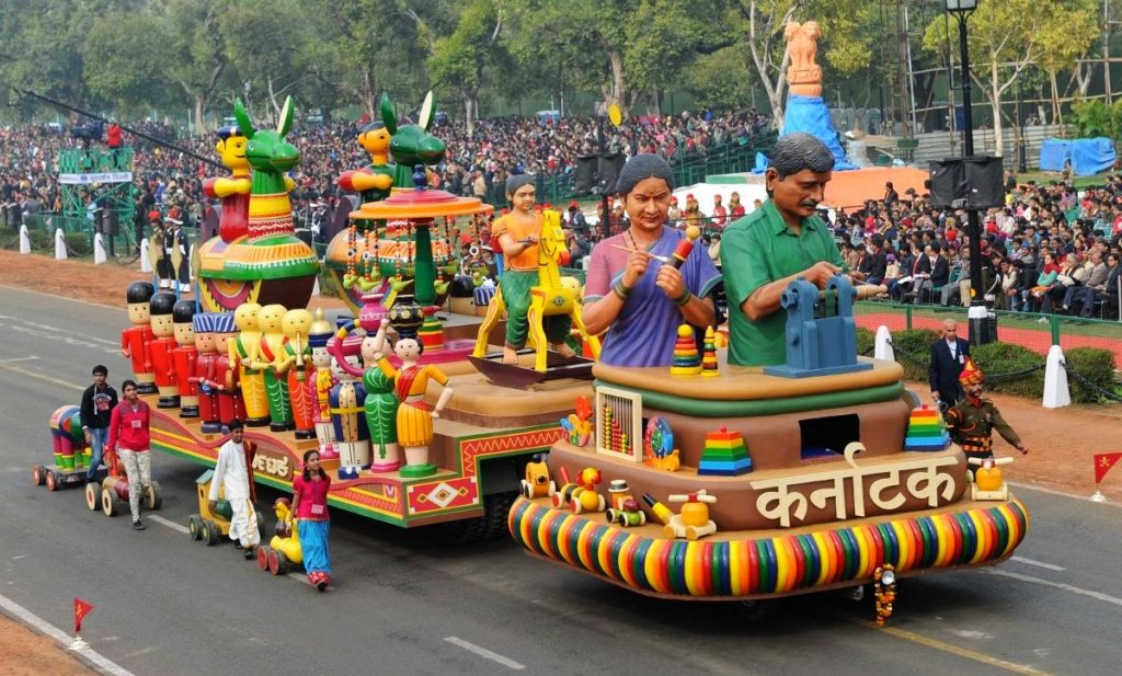 The first cultural tableau at the 66th Repulic Day parade at Rajpath was from Karnataka. Photo credit: Screengrab