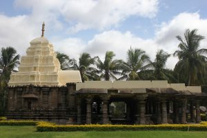This is a temple that embodies two architectural styles